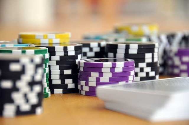 Advantages Of Online Gambling as compared to land based casinos